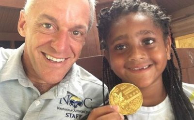 7-ամյա աղջիկը աղբի միջից գտել է օլիմպիական ոսկե մեդալ